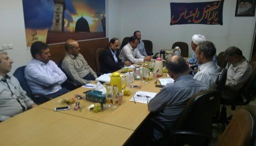 در جلسه شورای مشورتی وکارشناسی موسسه :بررسی توسعه و کیفیت بخشی بیشتر به مسابقه هفتگی درسهایی از قرآن در مدارس